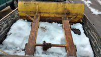 :Snowplow for forklift 6'x2' blade