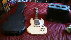 epiphone g-400 custom with hard case and amp