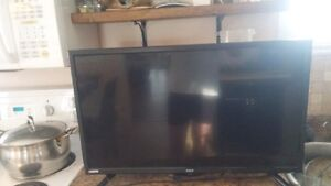 "RCA 32"" Inch LED Flat SCreen TV With Built-In DVD Player!"