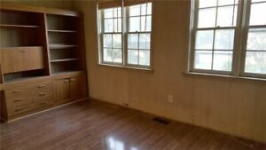 Close to Bathurst & Steeles room for rent