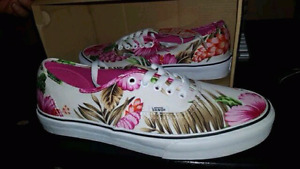 Size 10.5 womens floral vans brand new