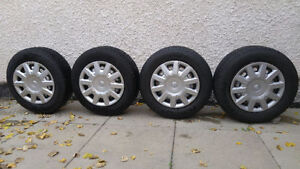 Set of 4 All-Season Tires (15 in.)
