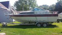 Doral Citation 25 Foot Boat with Trailer