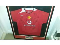 Signed Manchester United shirt with coa