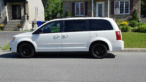 DODGE GRAND CARAVAN 2010 STOW AND GO