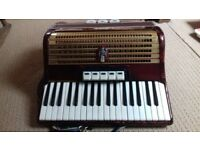 VINTAGE GERMAN PIANO ACCORDION WELTMEISTER