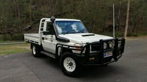 2014 Toyota Landcruiser VDJ79R MY13 WORKMATE SINGLE CAB White Manual Cab Chassis Springwood Logan Area Preview