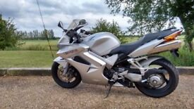 Honda VFR 800 2003 - Priced to sell.