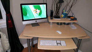 """21.5"""" iMac with latest O/S (Sierra) installed."""