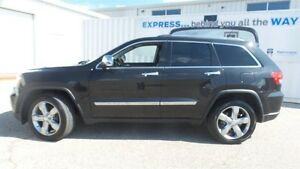 2011 Jeep Grand Cherokee Overland, HEMI, Fully Loaded! Kitchener / Waterloo Kitchener Area image 2