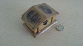1886 souvenir wooden box
