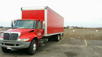 EXCELLENT 28 FT MOVING TRUCK WITH HYDRAULICE BRAKES
