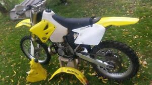 2004 Suzuki RM 250!!! Tons of extras, spares awesome bike!!