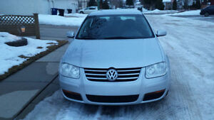 Priced To Sell ONLY 140 Km 2008 Volkswagen Jetta City For Sale V