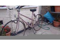 Vintage Raleigh mixty frame bike
