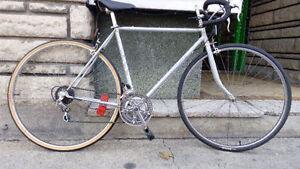 Vélo route reconditionné Fleetwing 54cm prix réduit!