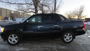 2008 Chevrolet Avalanche LTZ Pickup Truck NAVI LOW KM!!!