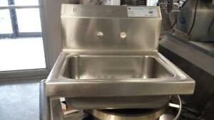 Evier Mural/ Stainless Steel Wall Mount Sinks! NOUVEAU!