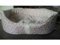 Brand New pretty floral dog/Cat/Rabbit bed by Bunty Half Price