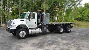 2006 International 7600 crane/bin/flatbed multilift