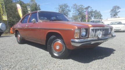 1976 Holden Kingswood HX Gold 3 Speed Automatic Sedan Kingston Logan Area Preview