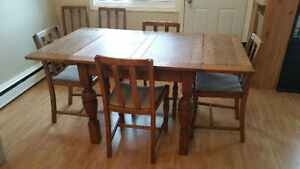 Rare Antique dining room table and 6 chairs