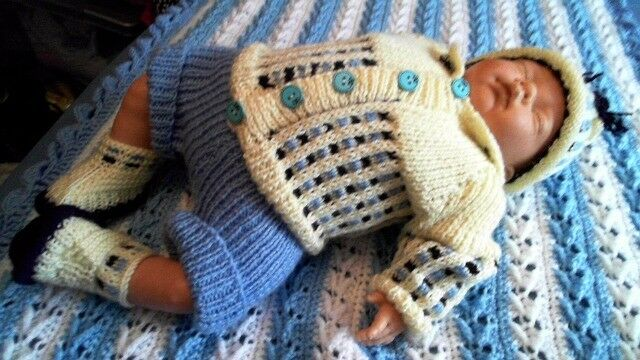 Hand knitted 4 piece baby boys set 0-3 months NEW clothes