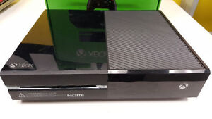 XBOX ONE - 500GB - 1 MANETTE- 2 JEUX