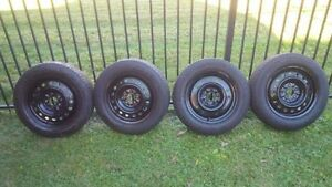 "4 x Michelin X-Ice 16"" on rims  Kitchener / Waterloo Kitchener Area image 2"