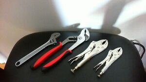 Deux petits coffrets avec outils (pour bricoleur ou revendeur)