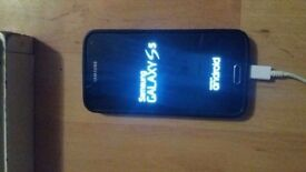 Samsung Galaxy s5 unlocked to any network still like new comes with box plus few extras