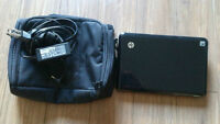 HP Mini 110-1033CA with quality black case. 90$ OBO - LIKE NEW