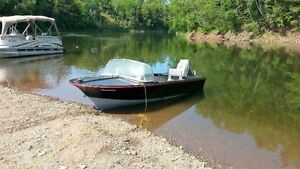 14 ft Speed Boat and trailer for sale