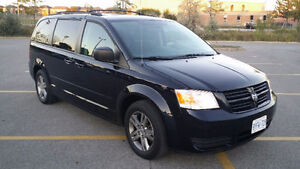 2010 Grand Caravan, Loaded , Stow & Go , 7 Passenger, 170k $7800