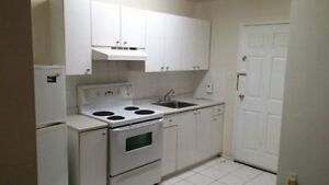 Spacious Basement Appartment - Markham and Sheppard