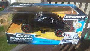 BRAND NEW UNOPENED Dom's Charger Collector Car (Furious 7)