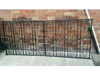Cast iron Gates 7ft lenth 3ft high