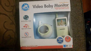 BRAND NEW VIDEO BABY MONITOR WITH NIGHT LIGHT LULLABY CAMERA