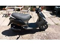 2002 Piaggio Zip 50cc spares or repairs MOT until October part rebuilt.
