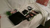 Xbox 360 slim with games