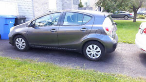 2012 Toyota Prius C Hybrid Electric Sedan 800km/30$ tank!