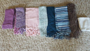 8x Winter Scarves