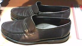 MENS LEATHER SIZE 7 SHOES-LEATHER UPPER, INNER AND SOLE !!!!! NEW- DARK BROWN