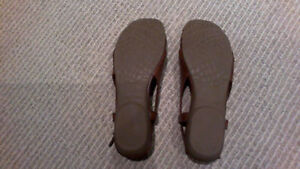 BRAND NEW Women's Brown Sling Open Flats, SIZE 7 London Ontario image 4