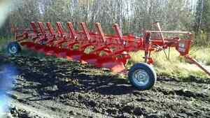 Massey Ferguson 880, 8 Bottom Plow