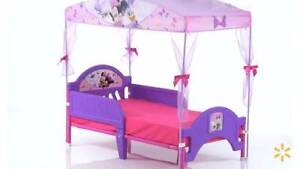 Disney Minnie Mouse Bow-tique Convertible Toddler Bed SOLD