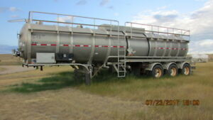 Heil oil Trailers