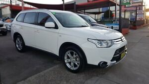 2014 Mitsubishi Outlander ZJ MY14.5 ES 2WD White 6 Speed Constant Variable Wagon Lidcombe Auburn Area Preview