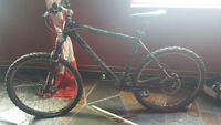 2010 Mint Black Norco Charger Hydroform Upgraded Mountain Bike