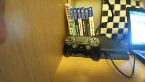 New PS4 Slim +5 New Titles - $500 Kitchener / Waterloo Kitchener Area image 1